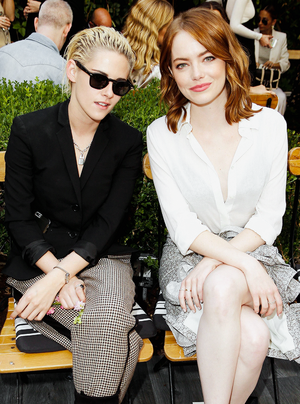 Kristen with Emma Stone at the CFDA/Vogue Fashion Fund Luncheon