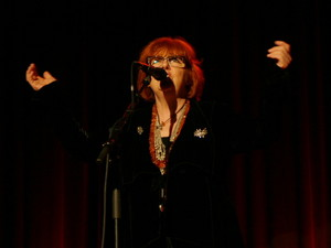 Maggie Reilly (2012)
