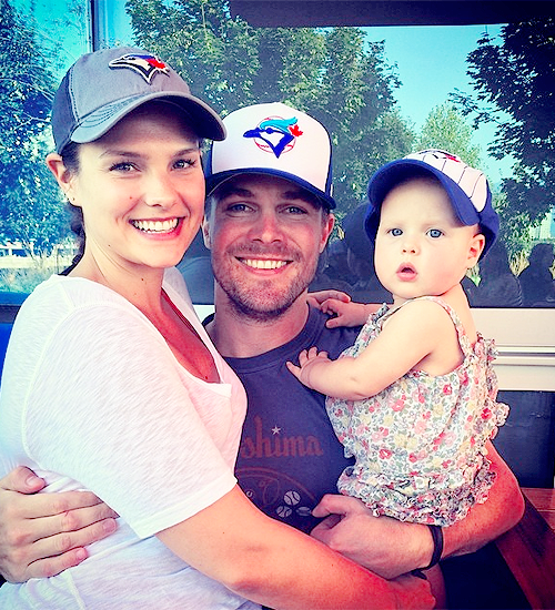 Stephen Amell Wife And Kids