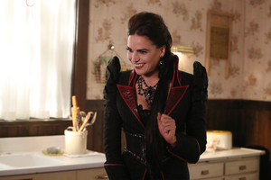 Once Upon a Time - Episode 6.05 - улица, уличный Rats