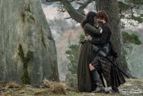 "Outlander 2014 TV Series پیپر وال titled Outlander ""Dragonfly in Amber"" (2x13) promotional picture"