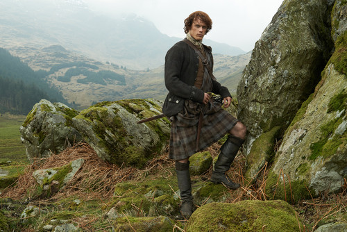 outlander série de televisão 2014 wallpaper with an alpinista, alpinist entitled Outlander Jamie Fraser Season 1 Official Picture