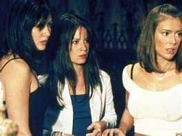 Prue Piper and Phoebe 17