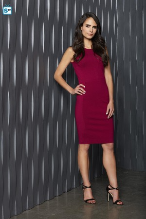 Secrets and Lies - Season 2 Portrait - Jordana Brewster as Kate Warner