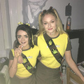 Sophie Turner and Maisie Williams dressed as 해시시, 해시 Brownies for 할로윈