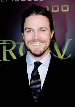 Stephen and Emily on the green carpet for the celebration of the 100th Episode of CW's 'Arrow'