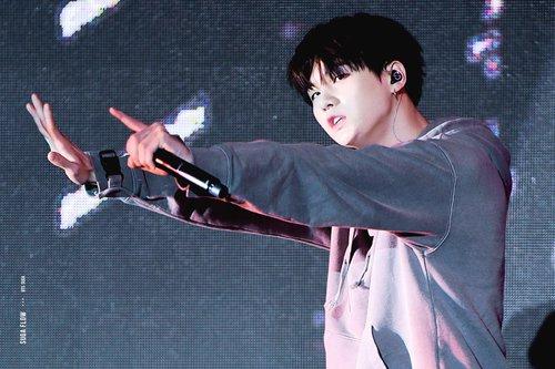 Suga (BTS) fondo de pantalla entitled Suga❤