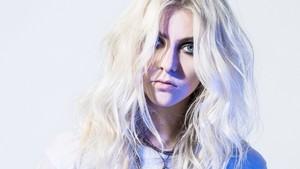 Taylor Momsen on Cosmopolitan Magazine