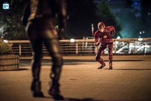 The Flash - Episode 3.02 - Paradox - Promo Pics