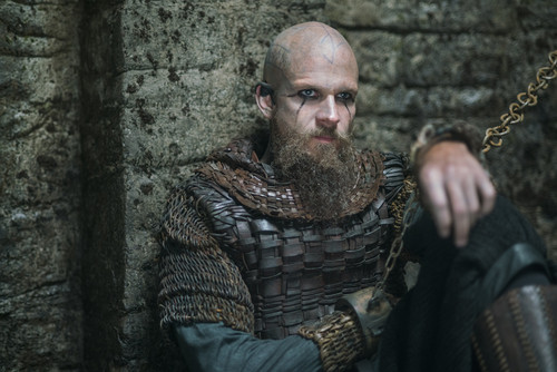 Vikings (TV Series) karatasi la kupamba ukuta possibly with a brigandine, a breastplate, and a surcoat titled Vikings (4x13) promotional picture