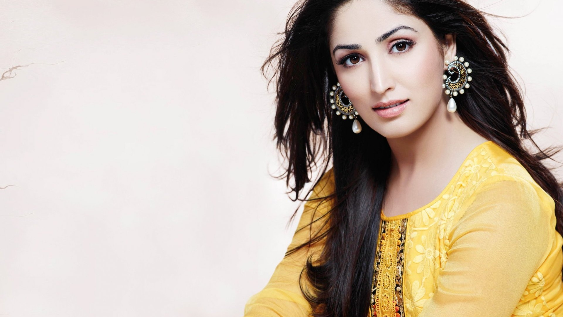 Indian Actresses Images Yami Gautam Hd Wallpaper And Background
