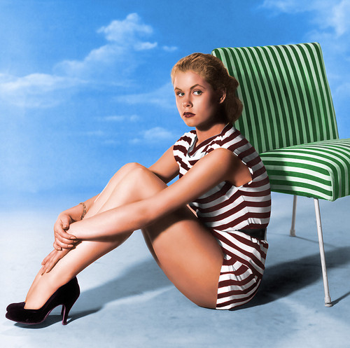 Elizabeth Montgomery wallpaper possibly containing a maillot, a swimsuit, and a leotard called gptvi C