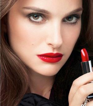 natalie portman rouge dior campaign 620x350