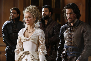 queen anne with aramis, porthos and d'artagnan