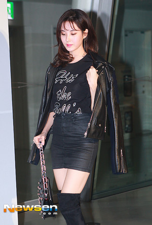 snsd seohyun surreal but nice event 25