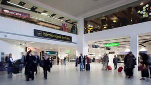 gatwick airport arrivals