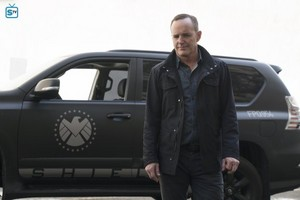 Agents of S.H.I.E.L.D. - Episode 4.08 - The Laws of Inferno Dynamics - Promo Pics