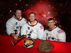 Apollo 13 crew b HR