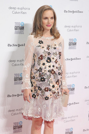 Attending IFP's 26th Annual Gotham Independent Film Awards at Cipriani, دیوار سٹریٹ, گلی in New York Ci