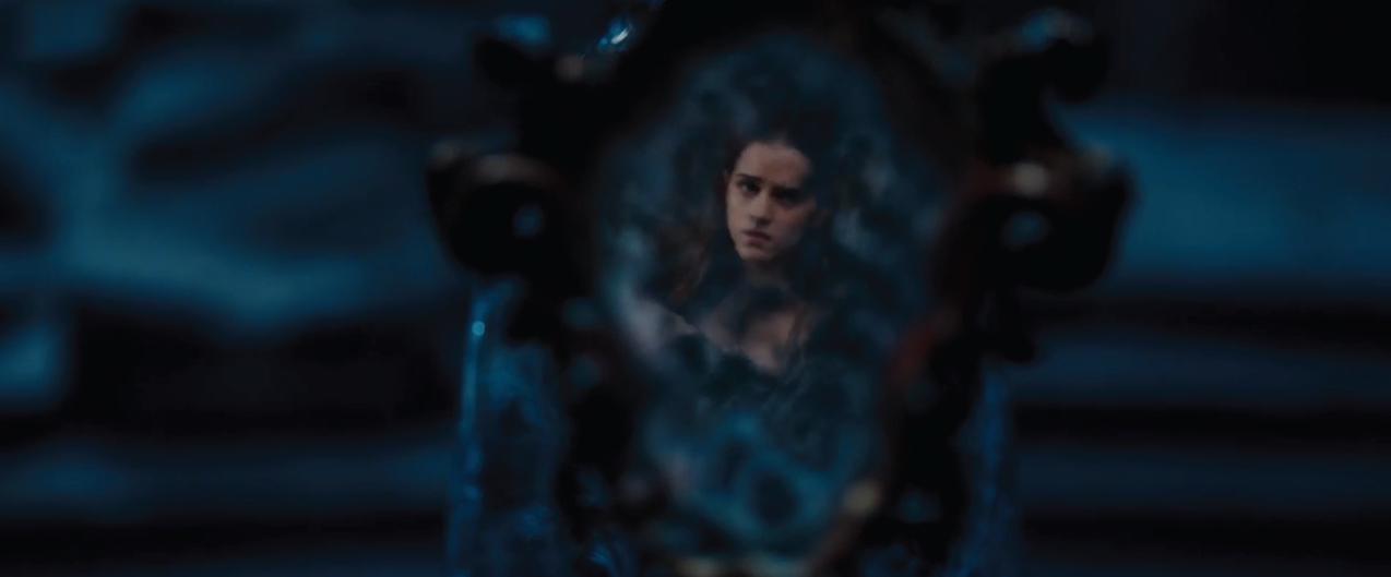Belle in the magic mirror