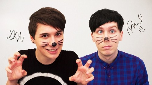 danisnotonfire Обои possibly containing a portrait called Dan and Phil