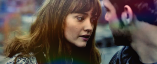 Olivia Cooke Hintergrund entitled Emma Decody