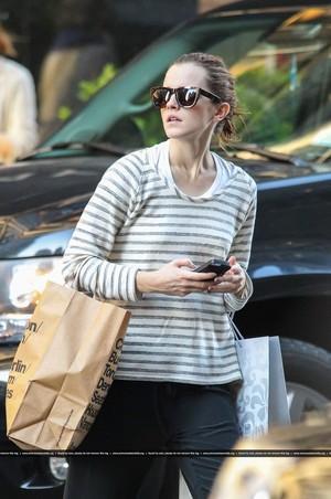 Emma Watson shopping in NYC [June 12, 2013]