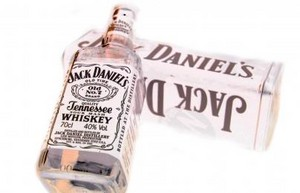 Jack Daniels whisky white