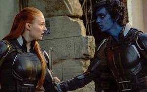 Jean Grey (Sophie Turner) and Nightcrawler in X Men Apocalypse 2016