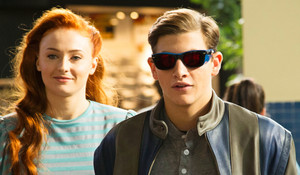 Jean Grey (Sophie Turner) and Scott Summers at mall in X Men Apocalypse 2016