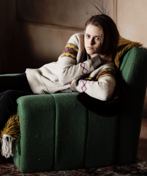 "Kristen ""Personal Shopper"" stills"