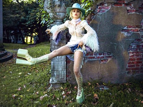 Lady Gaga karatasi la kupamba ukuta called Lady gaga
