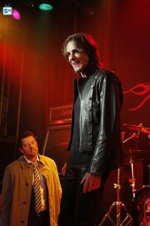 Supernatural - Episode 12.07 - Rock Never Dies - Promo Pics