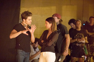 TVD 8X06 ''Detoured On Some ngẫu nhiên Backwoods Path'' BTS Paul Wesley and Nathalie Kelley