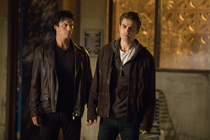 TVD 8x06 ''Detoured On Some walang tiyak na layunin Backwoods'' Promotional stills