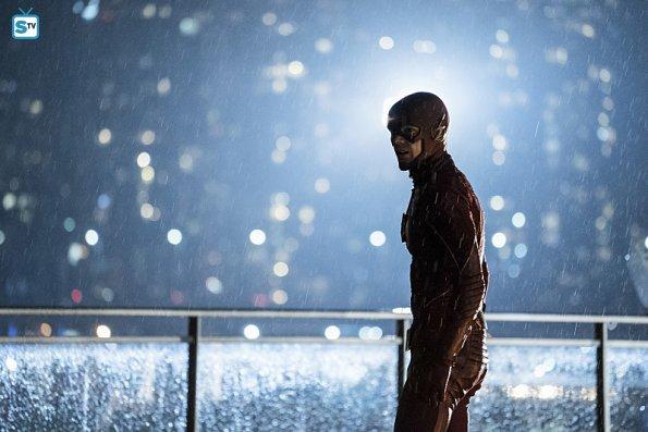 The Flash - Episode 3.09 - The Present - Promo Pics