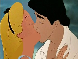 alice and eric kiss