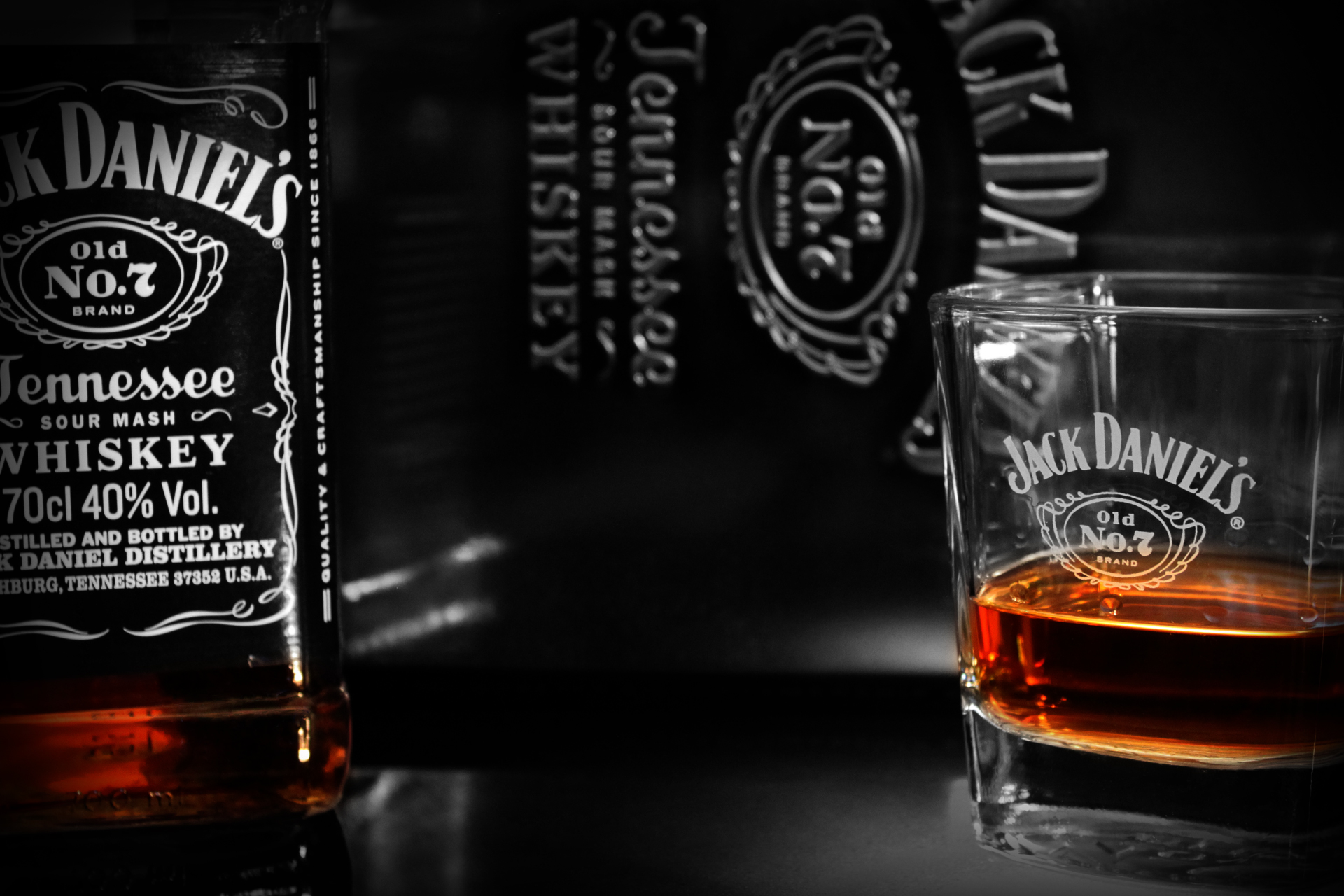 jack daniels glass whiskey