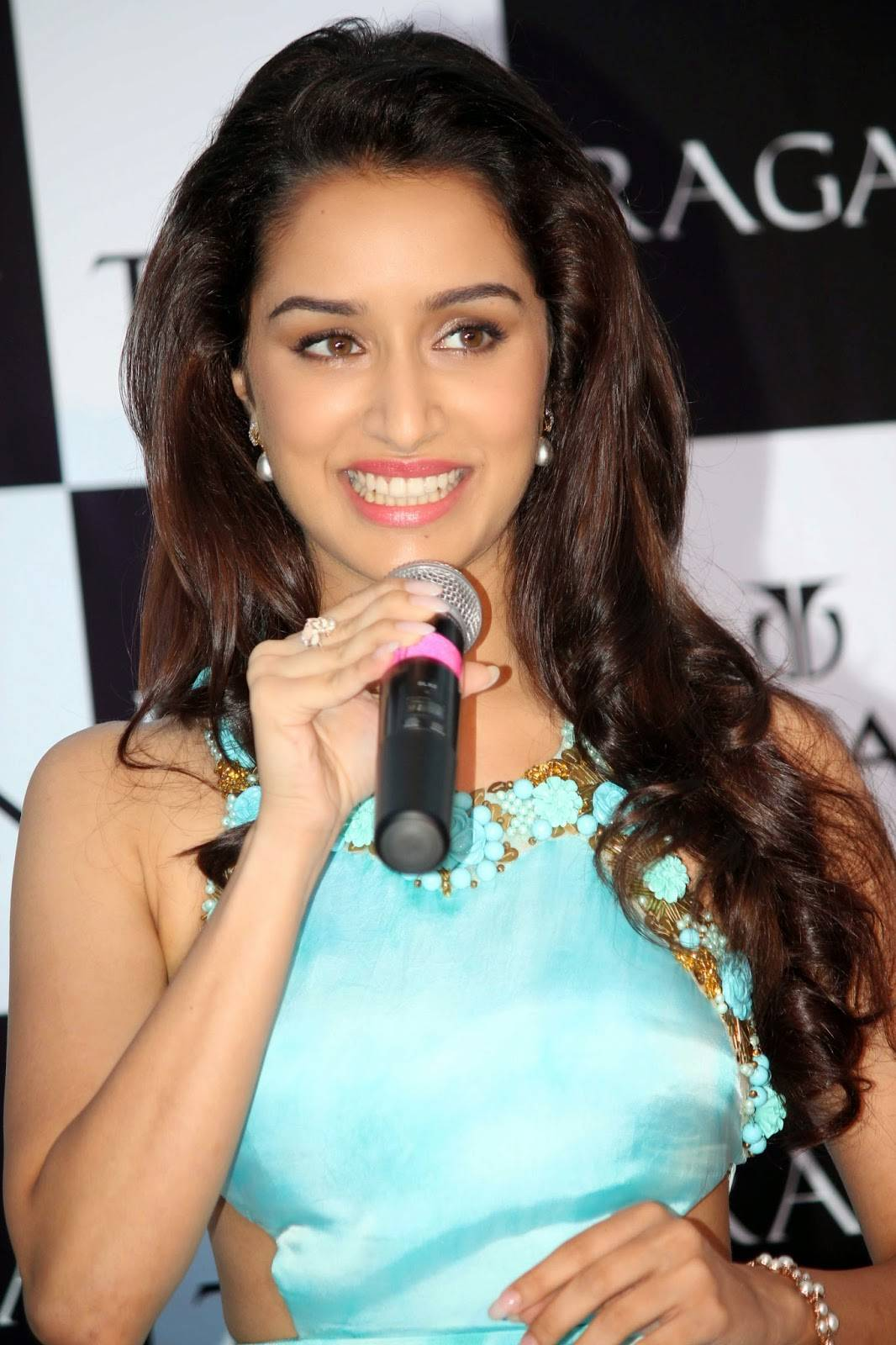 shraddha kapoor images ♥ ♥ ♥ gorgeous hd wallpaper and background