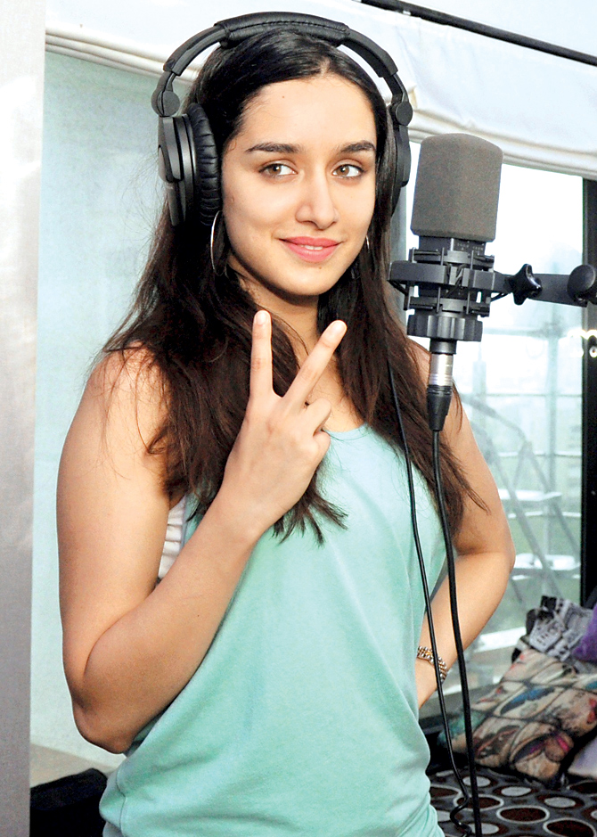 Shraddha Kapoor Images Gorgeous HD Wallpaper And Background Photos