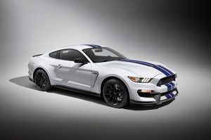2016 Ford Shelby GT350 マスタング, マストン front three quarter static