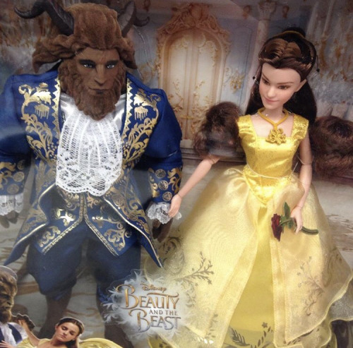 Beauty and the Beast (2017) fondo de pantalla entitled BATB Hasbro Doll Set