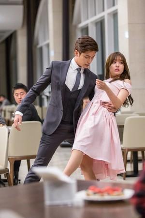 BTS pics of Jieun in 'My Secret Romance'