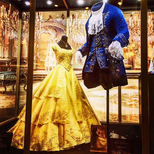 Princesses Disney Fond Decran Called Beauty And The Beast 2017 Ballroom Costumes