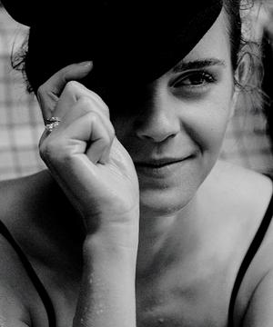 Emma photoshoot outtakes