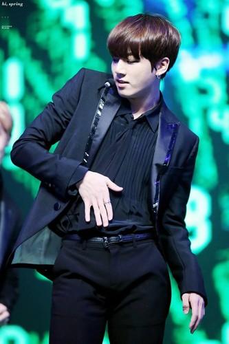Jungkook (BTS) پیپر وال called HQ Jungkook - Rainism