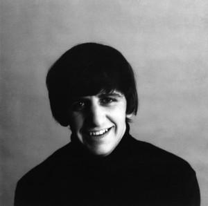 Keep on smilin' Ringo! :)💞💗