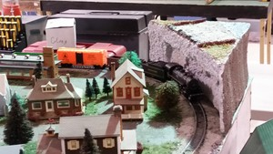 Model Train 显示