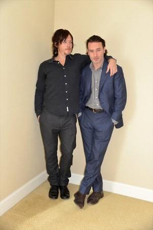 Norman Reedus and Andrew линкольн