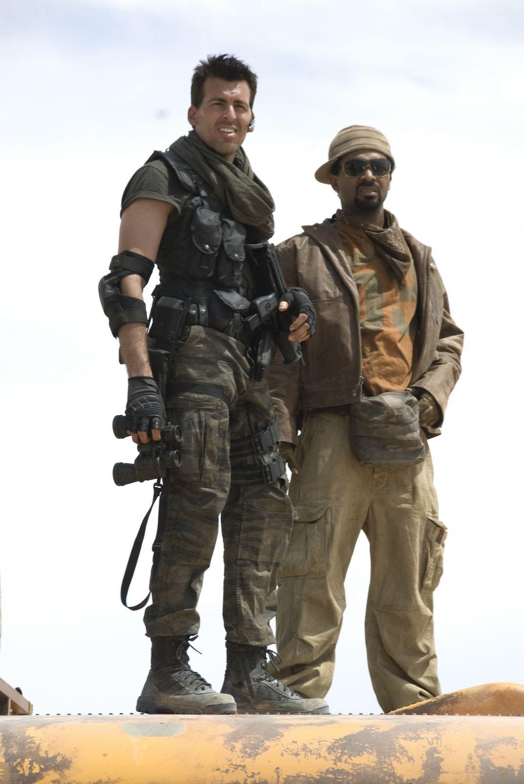 Resident Evil Extinction Carlos And Lj Resident Evil